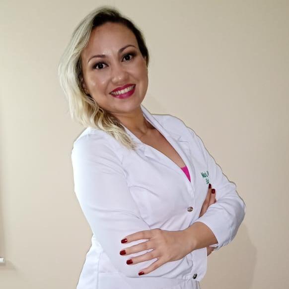 Esteticista Maria Bezerra